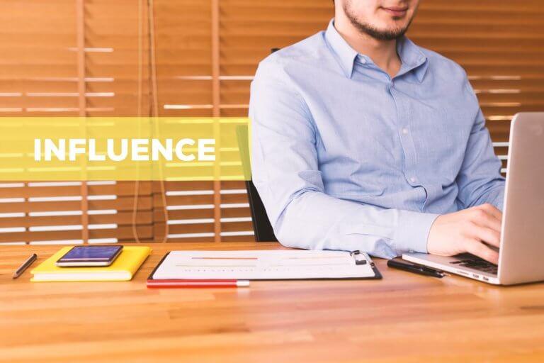 Mener une campagne d'influence : comment, avec qui et pour quel ROI ?